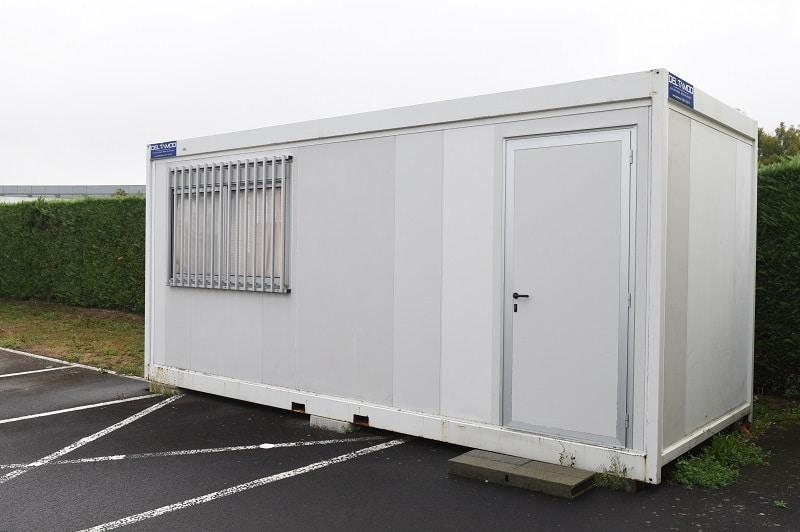 surface de 15 mètres carrés pour ce module algeco occasion posé par Occamod